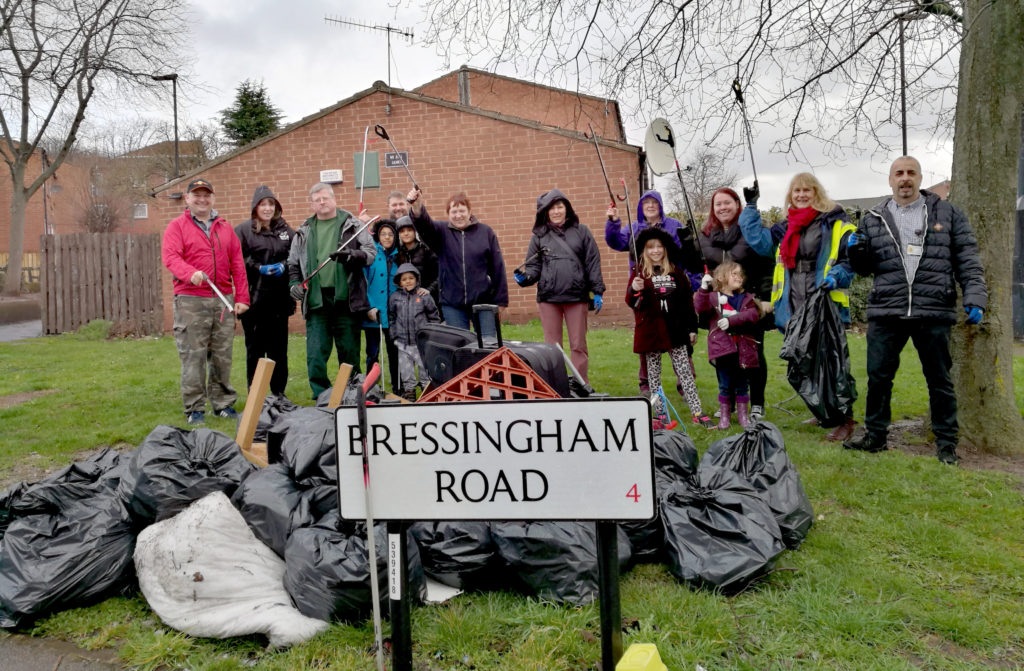 Tackling litter on Spital Hill