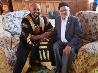 Mr Ghulam Mohammed with Lord Mayor Magid Magid.