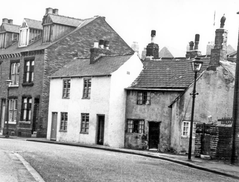 Passhouses Road