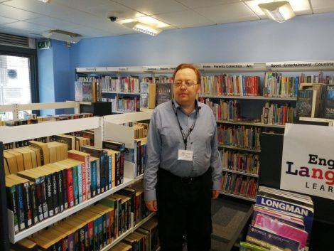 Library volunteer Custos