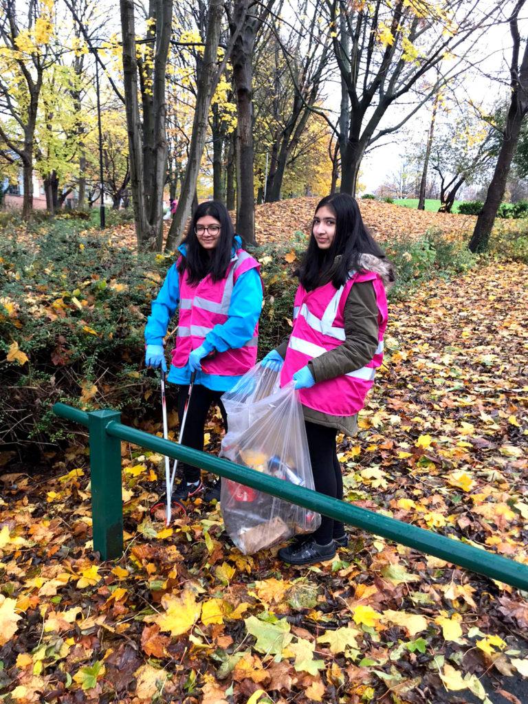 Ellesmere litter pick volunteers