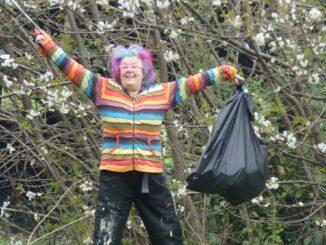 Pitsmoor picker celebrate picking up litter.